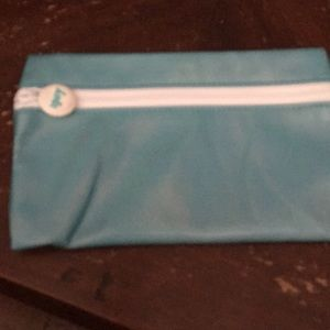 Ipsy cosmetic travel size bag real color